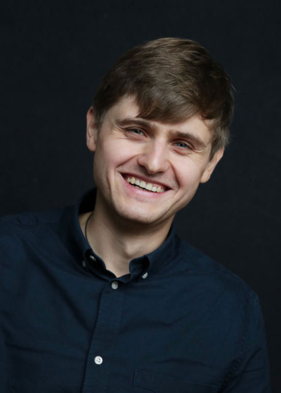 Nikolai Denisov lächelt in die Kamera